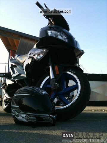 Other  Luxxon F104 sports (special color) 2010 Scooter photo