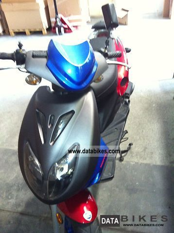 Other  Hupper Thuenty9s 50 2010 Scooter photo
