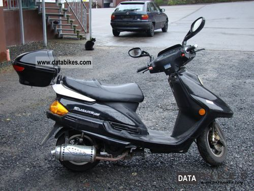 2005 Zhongyu  ZY125T-2 Motorcycle Scooter photo