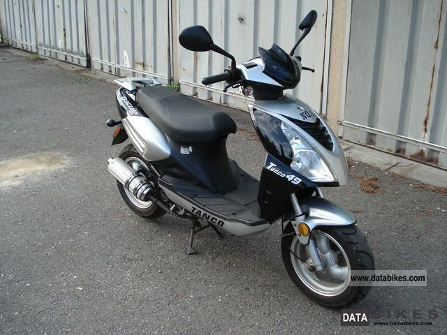 2011 Zhongyu  BT49QT-12F ONLY 1526 km - 1 Hand - excellent condition Motorcycle Lightweight Motorcycle/Motorbike photo