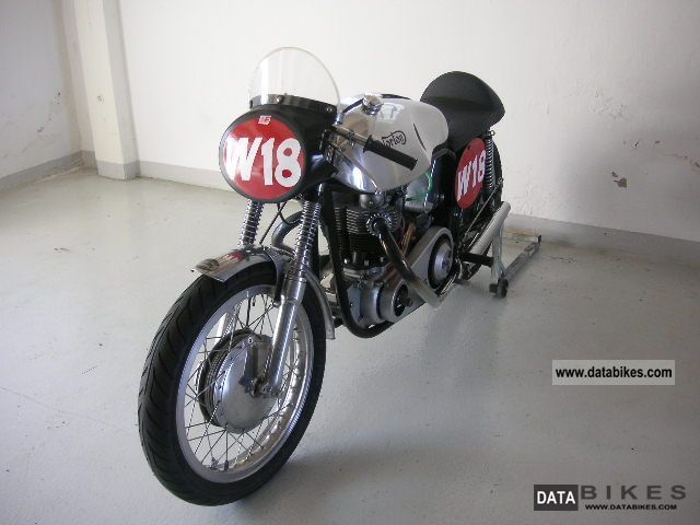 Norton  Atlas, racing machine 1962 Vintage, Classic and Old Bikes photo