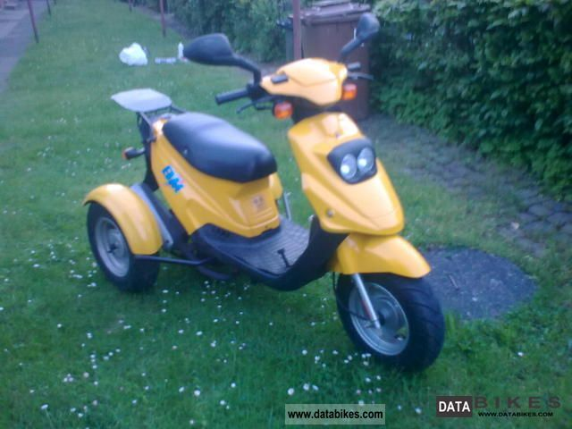 PGO  Tricycle 2004 Scooter photo