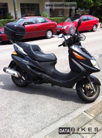 2004 Italjet  Millennium Motorcycle Scooter photo