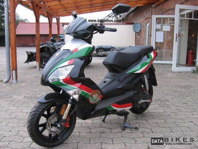 2012 Motobi  Pesaro 50 Motorcycle Scooter photo