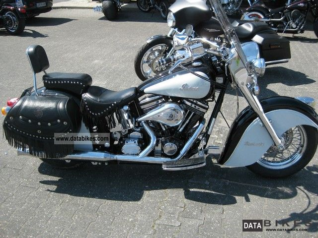 1999 Indian  Chief Motorcycle Tourer photo