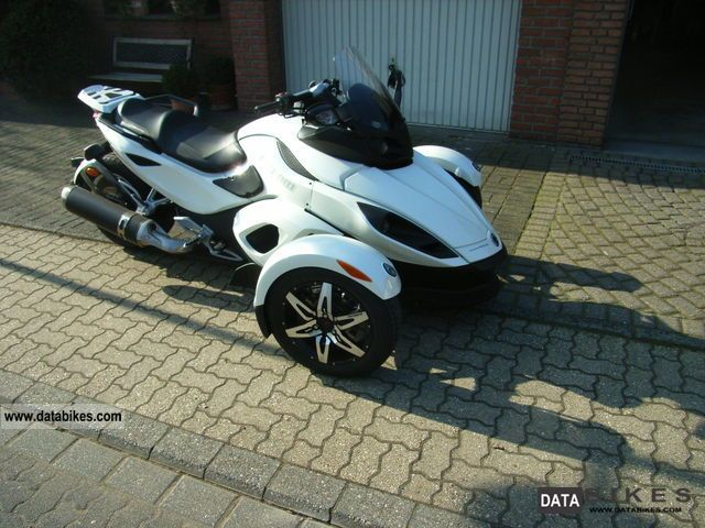 2010 BRP  Can-AM Spyder SM5 RS-S Motorcycle Trike photo