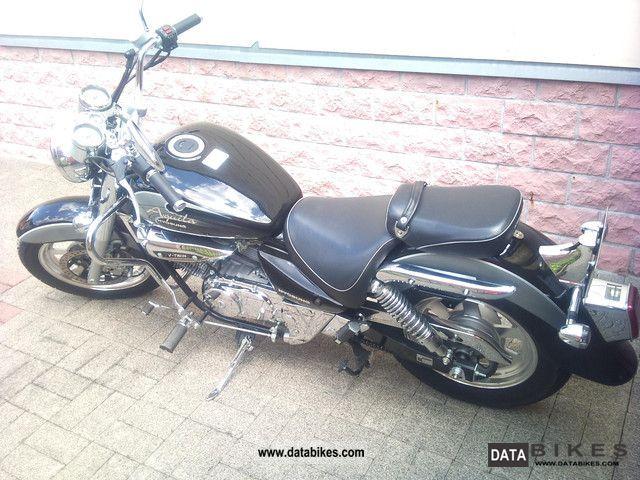 2010 Hyosung  CV Motorcycle Chopper/Cruiser photo