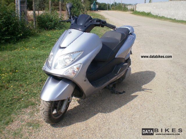 2009 MBK  Skyliner Motorcycle Scooter photo