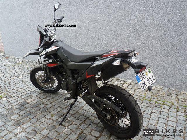 2010 Derbi  Senda DRD 125 Motorcycle Super Moto photo