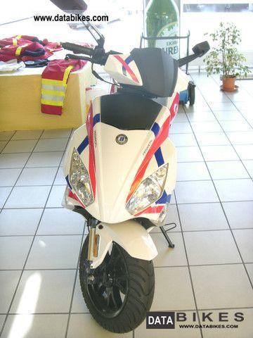 2012 Motobi  IMOLA SE 50 Motorcycle Scooter photo