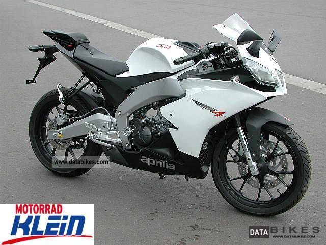 2012 Aprilia  12km RS4 125 only! Motorcycle Lightweight Motorcycle/Motorbike photo