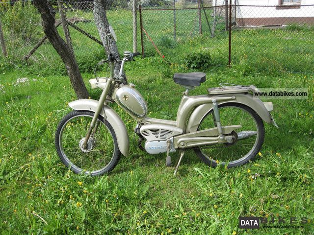 DKW  121 moped 40 km / h 1971 Vintage, Classic and Old Bikes photo