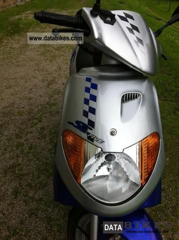 2006 Daelim  Five S 50 Motorcycle Scooter photo