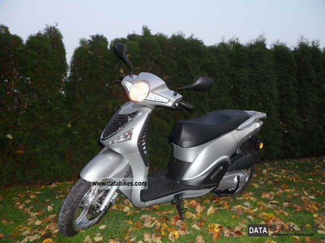 2010 CFMOTO  Wall Street 125 € 3 LED when new 3500km TOP Motorcycle Scooter photo