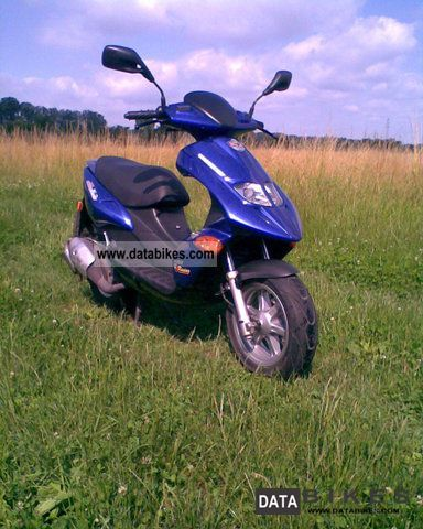 2002 Benelli  K2 Motorcycle Scooter photo