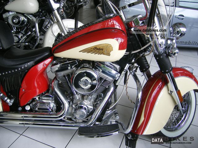 2002 Indian  Chief Motorcycle Chopper/Cruiser photo