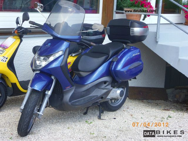 2005 Piaggio  250 Motorcycle Scooter photo