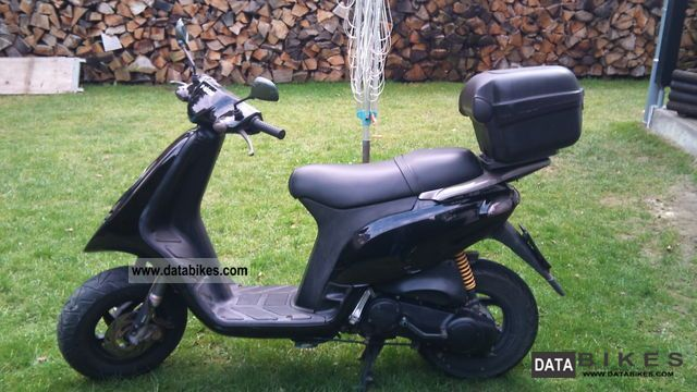 1999 Piaggio  50 tph Motorcycle Scooter photo