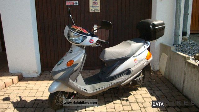 1998 MBK  Flame 125 Motorcycle Scooter photo