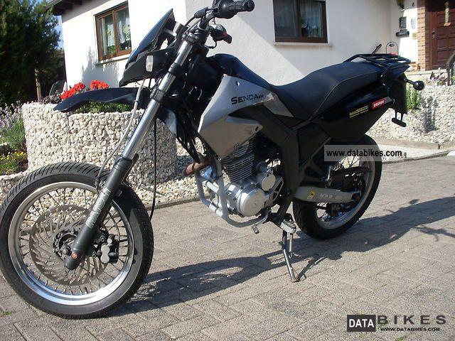 2008 Derbi  Senda R / SM 125 4T Baja Motorcycle Lightweight Motorcycle/Motorbike photo