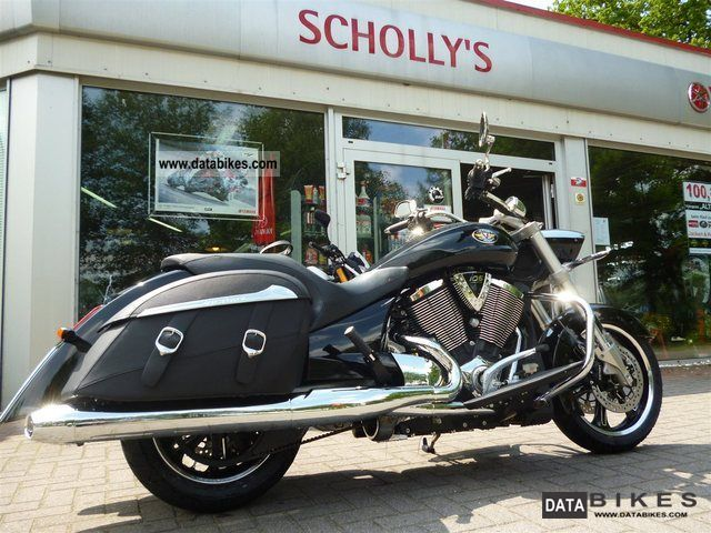 2012 VICTORY  Crossroads, soft ABS excavator Motorcycle Chopper/Cruiser photo