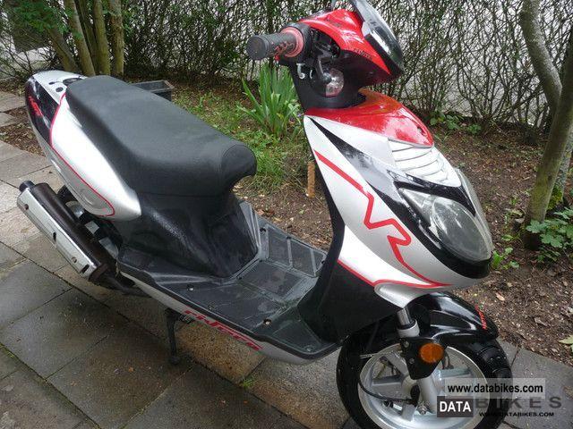 2009 rivero moped scooter. Black Bedroom Furniture Sets. Home Design Ideas