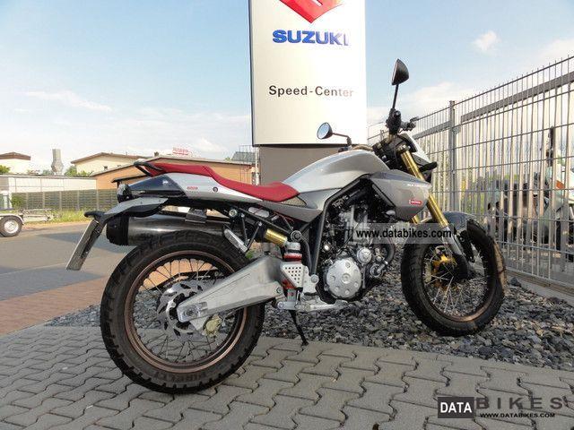2010 Derbi  Mulhacen 659 Motorcycle Naked Bike photo