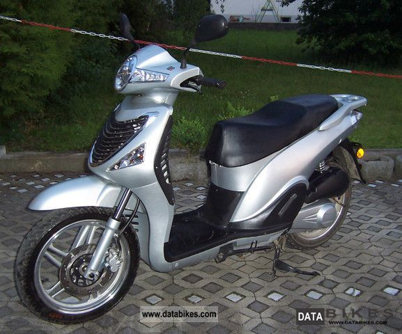 2009 CFMOTO  Wall Street CF125T-21i Motorcycle Scooter photo