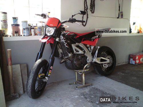 2011 Aprilia  SXV 550 Supermoto Motorcycle Super Moto photo