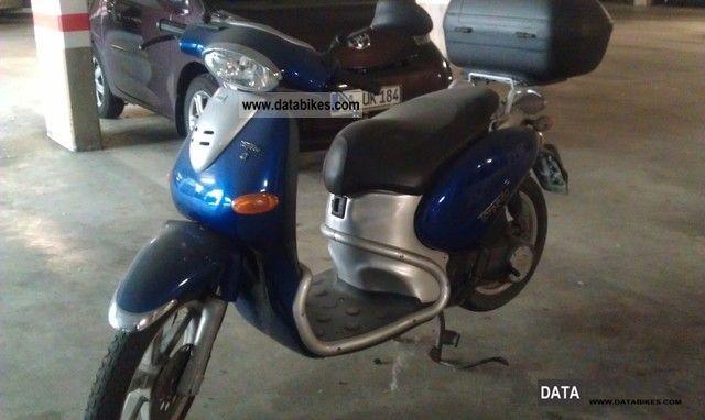 2002 Italjet  Torpedo Motorcycle Scooter photo