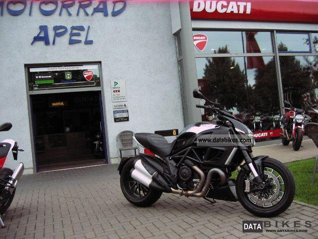 2012 Ducati  Diavel Cromo Motorcycle Naked Bike photo