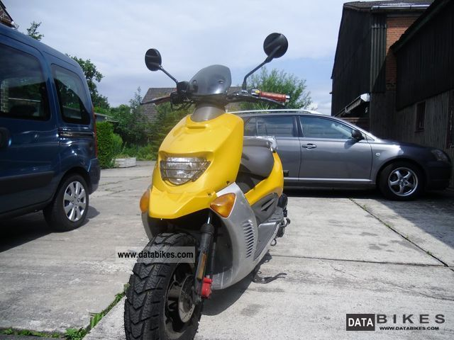 2005 Hyosung  SF50R Motorcycle Motor-assisted Bicycle/Small Moped photo