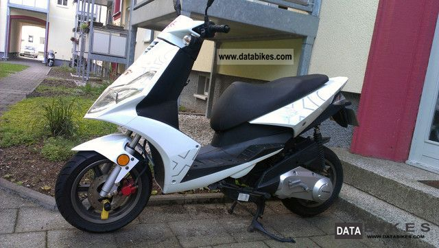 2008 Generic  XOR 125 Motorcycle Scooter photo