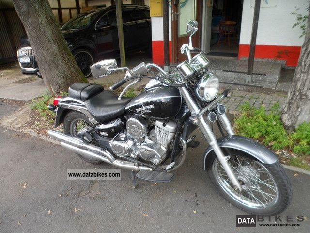 2008 Daelim  Daystar 125 FI Motorcycle Chopper/Cruiser photo