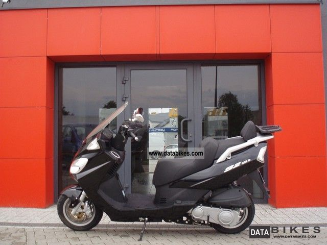 2009 Daelim  S2 125 Fi Motorcycle Scooter photo