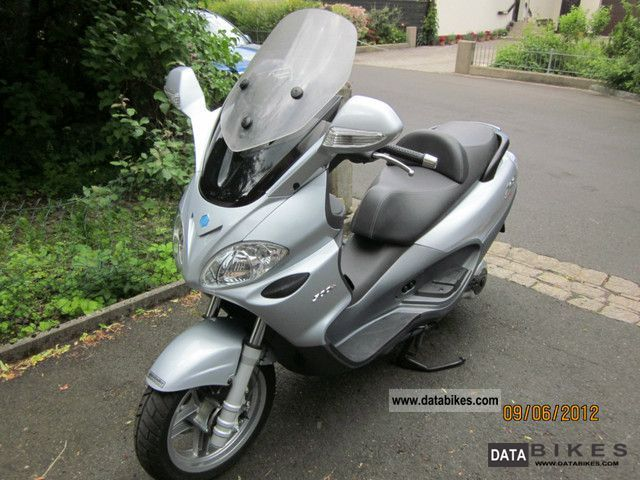 2007 Piaggio  X 9 Motorcycle Scooter photo