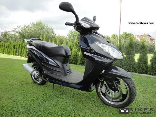 2007 Zhongyu  Sport-50 4-stroke Motorcycle Scooter photo