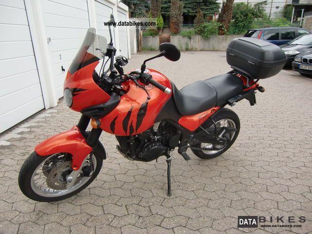 2003 Triumph  709EN Tiger 955 Motorcycle Enduro/Touring Enduro photo