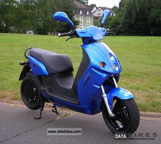 e-max  110S - 100 km range tested 2009 Electric Motorcycles photo