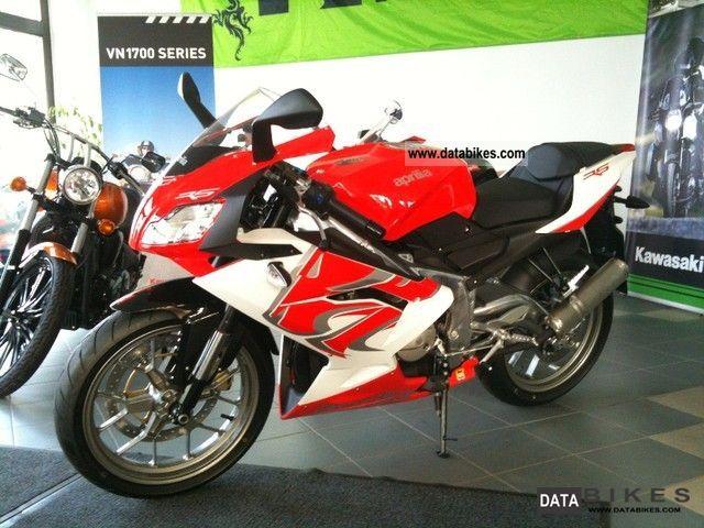 Aprilia  RS 125 FULL POWER CHOKE 24 HP VERSION AVAILABLE 2012 Lightweight Motorcycle/Motorbike photo