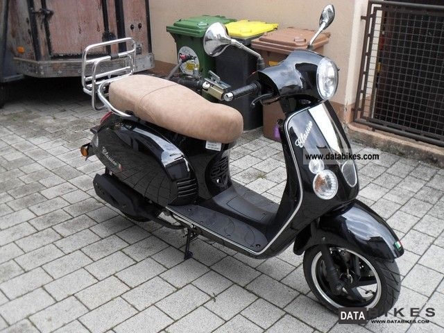 2010 Baotian  Classico 50 cc black as new Motorcycle Scooter photo