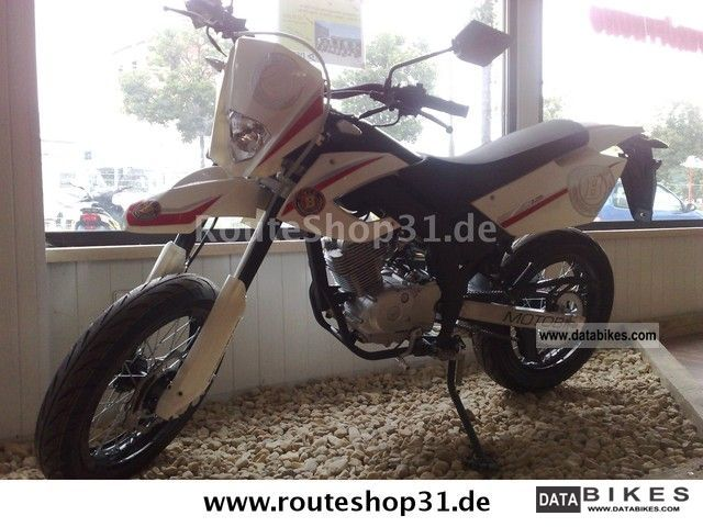 2012 Motobi  Misano 125 SM Supermoto XT Motorcycle Super Moto photo