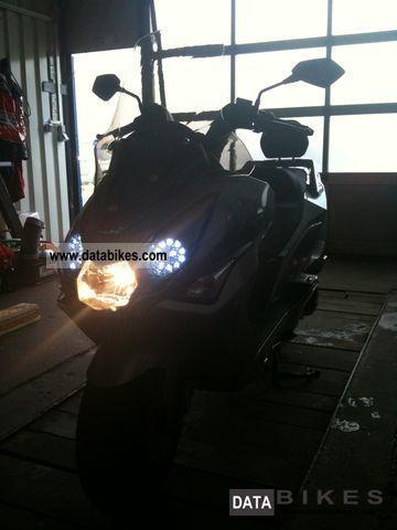 Daelim  S3 125cc FI 2012 Scooter photo