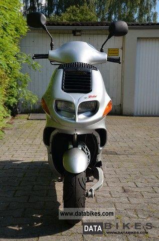2001 Italjet  Formula 125 Motorcycle Scooter photo
