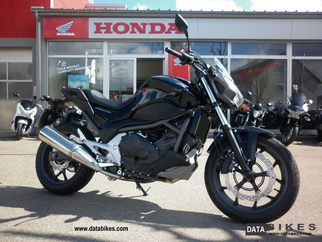 2012 Honda  NC700S DCT * new 2012 * 2x Available Motorcycle Naked Bike photo