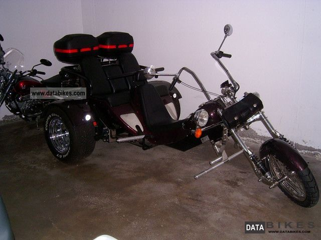 2003 Boom  Family Special Edition Motorcycle Trike photo