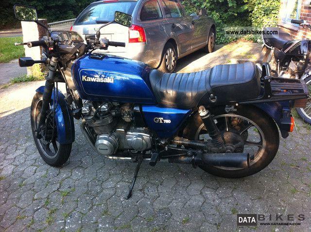 1995 Kawasaki  GT750 Motorcycle Naked Bike photo