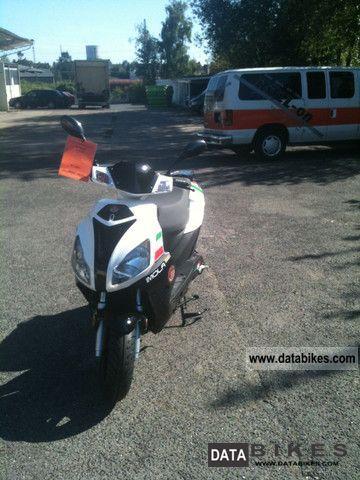 2012 Motobi  Imola SE Motorcycle Scooter photo