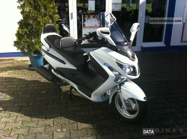 2012 SYM  GTS300 Motorcycle Scooter photo