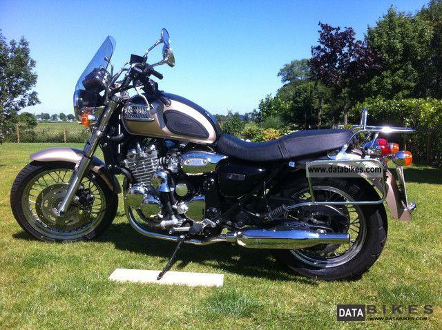 2000 Triumph Thunderbird 900 Fair Weather Motorcycle
